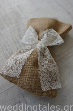 ΚΑΦΕ ΘΕΜΑ: Ρομαντική, γήινη μπομπονιέρα γάμου