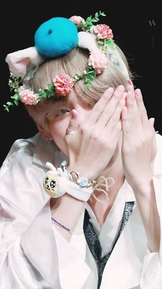 Read taehyung wallpapers from the story втs ωαℓℓραρєяs ? anyone suggest kpop songs?