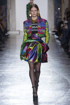 Versace Fall 2018 Ready-to-Wear Collection - Vogue