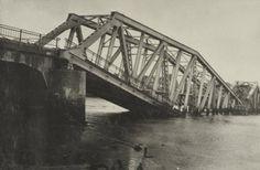 Brug voor gewoon verkeer over de Eendracht bij Tholen na de meidagen 1940. Plaats Tholen, Zeeland