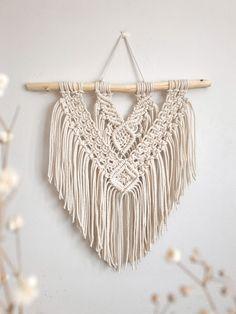 Macrame Wall Hanging • Makramee seinävaate Wall Hangings, Diy Tutorial, Dream Catcher, Macrame, Crochet Top, Easy Diy, Wall Art, Design, Dreamcatchers