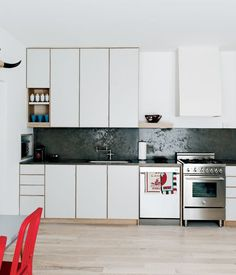 10 bucatarii amenajate in stil minimalist- Inspiratie in amenajarea casei - www.povesteacasei.ro