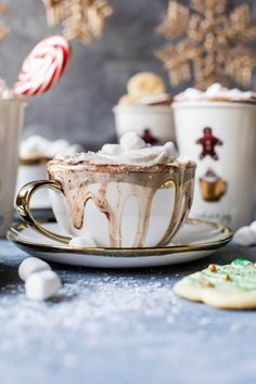Sugar Cookie Hot Chocolate…also known as Christmas in a mug! I wanted to share… – Recipes Hot Chocolate Bars, Hot Chocolate Recipes, Chocolate Flavors, Chocolate Chips, White Chocolate, My Recipes, Holiday Recipes, Christmas Recipes, Christmas Cocktails