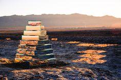 Art Aware: Watch a Pyramid of Mirrors Morph Based on Desert W...
