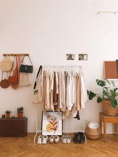 Minimalist Room, Room Ideas Bedroom, Bedroom Ideas For Small Rooms, Korean Bedroom Ideas, Minamilist Bedroom, Next Bedroom, Small Room Bedroom, Bedrooms, Aesthetic Room Decor
