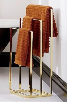 valet your terry. Brass-plated metal butler squared flat parks three bath towels off the wall. Smart hangout for blankets/throws in living/bedroom, too. Bathroom Towel Decor, Bath Decor, Bathroom Furniture, Bedroom Decor, Antique Furniture, Bathroom Ideas, Bathroom Rack, Bathroom Curtains, Plywood Furniture