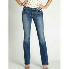"Guess Malibu Low Rise Jeans Guess straight leg low rise jeans. Classic 5 pocket styling  98% cotton 2% spandex  Machine washable  38"" out seam 32"" inseam 6"" rise 16"" leg opening Guess Jeans Straight Leg"