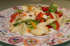 Receitas de verão - salada de delícias de caranguejo e pimentos - hoje deixo-vos uma deliciosa e rápida receita de salada de delicias do mar.