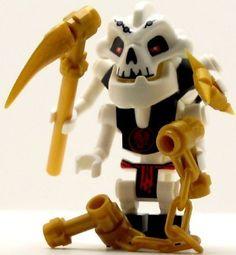 LEGO Ninjago Minifigure Samukai Skeleton (2011) LEGO http://www.amazon.com/dp/B00CFWAZJW/ref=cm_sw_r_pi_dp_bBzcxb1XMNQZR