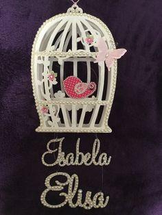 Porta Maternidade da Isabela e depois no quarto da Elisa.