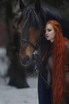 Lady with long red hair and a pretty Bay colored horse. Horse Girl Photography, Fantasy Photography, Beautiful Redhead, Beautiful Horses, Long Red Hair, Dark Hair, Brown Hair, Ginger Hair, Belle Photo