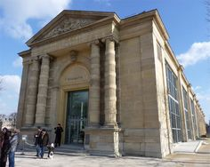 Musee de l'Orangerie offers a fabulous concentration of masterpieces from the Jean Walter and Paul Guillaume Collection, a highly original insight into modern art featuring Cézanne, Renoir, Picasso, Rousseau, Matisse, Derain, Modigliani, Soutine, Utrillo and Laurencin.