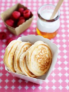 Fact: These naturally sweet 'n' fluffy pikelets – from cuisine queen, Donna Hay – are the ultimate snack for big and little kids! Stack 'em up and munch them down for brekkie, recess, after school or dessert. They're easy-to-make, delicious to eat and lunchbox-friendly to boot! banana honey pikelets 1 cup (150g) self-raising (self-rising) flour, sifted ½ teaspoon baking powder 1 banana, mashed 2 tablespoons honey, plus extra, to serve ¾ cup (180ml) milk 1 egg yoghurt and fresh raspberries…