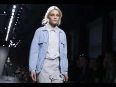 Bottega Veneta | Spring Summer 2015 Full Fashion Show | Exclusive. Over the years Tomas Maier was experimenting with the casual side of luxury.Moving away from stiff or buttoned up clothing,Maier seems more attune then ever to his customers incrasingly informal lifestyle and ability for working out. This collection is dedicated to a dancers and it is a touching hommage to Giorgio Armani´s concept of wearable arte.