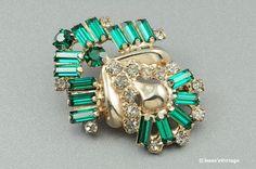 Art Deco Brooch Pin Crystal & Emerald Green Rhinestones