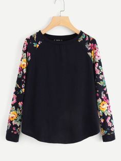 To find out about the Floral Raglan Sleeve Curved Hem Top at SHEIN, part of our latest T-Shirts ready to shop online today! 2 Piece Outfits, Casual Fall, Men Casual, Bleu Marine, Casual Shirts, Long Sleeve Tees, Cool Hoodies, Spandex, Tanks
