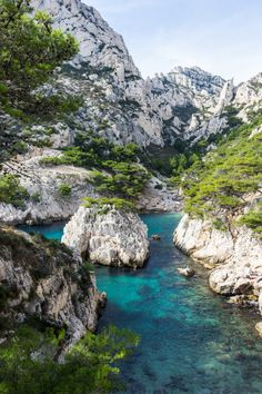 Provence toujours-Les Calanques, Marseille / France (by Toazty). Places To Travel, Places To See, Wonderful Places, Beautiful Places, Marseille France, Ville France, Parc National, Honeymoon Destinations, Honeymoon Ideas