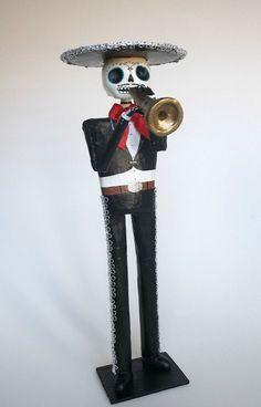 ❁☠❀ Dia de Los Muertos  ❀☠❁ Mariachi trompetista catrina papel mache | by Amepalas