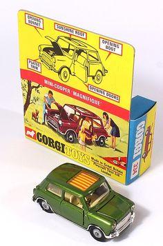 Corgi Toys 334 Mini Magnifique in special heafer pictorial window box Pic… Toy Model Cars, Diecast Model Cars, Classic Mini, Classic Toys, Miniature Auto, Microcar, Custom Hot Wheels, Corgi Toys, Matchbox Cars