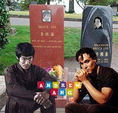 Bruce & Brandon Bruce Lee Pictures, Bruce Lee Art, Bruce Lee Family, Famous Tombstones, Muay Thai, Fantasy Female Warrior, Brandon Lee, Famous Graves, Enter The Dragon