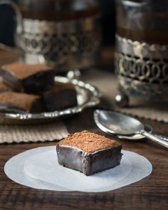How to make dark chocolate and salted caramel ganache squares or truffles - the perfect indulgent after dinner treat. Dark Chocolate Recipes, Chocolate Desserts, White Chocolate, Candy Recipes, Dessert Recipes, Bar Recipes, Sweet Recipes, Bailey Truffles, Popcorn Ice Cream