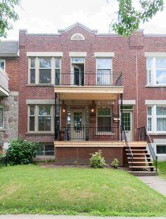 Réparation de balcon à Montréal Duplex, Construction, Interior And Exterior, Facade, House Styles, Inspiration, Coffee, Home Decor, Balconies