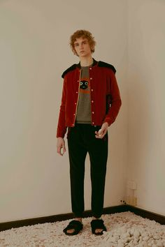 See the complete Au Jour Le Jour Fall 2016 Menswear collection.