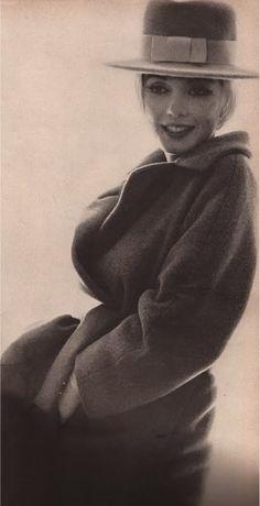 Marilyn in hat