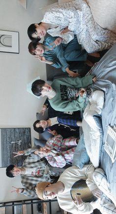 Bts Taehyung, Bts Bangtan Boy, Bts Jimin, Bts Group Picture, Bts Group Photos, Foto Bts, Die Beatles, Bts Bulletproof, Bts Aesthetic Pictures
