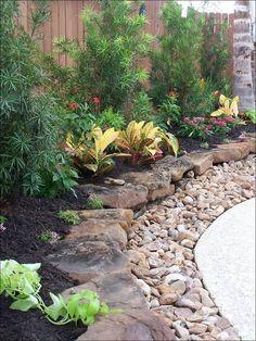 Farmhouse Landscaping, Small Backyard Landscaping, Landscaping With Rocks, Landscaping Tips, Backyard Patio, Courtyard Landscaping, Backyard Ideas, Tropical Landscaping, Landscape Plans