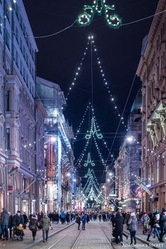 Christmas in Helsinki Finland Places To Travel, Places To See, Bósnia E Herzegovina, Visit Helsinki, Finland Travel, Cities, Scandinavian Countries, Beautiful Places In The World, Winter Scenes