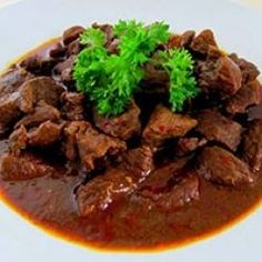 Rendang, Most delicious food in the world. made by meat and mixing of spice of Indonesia. This food from Minangkabau, West Sumatra, Indonesia. Rilakkuma, Bento, Rib Meat, Indonesian Cuisine, Indonesian Recipes, Beef Curry, Best Street Food, Padang, Beef Steak