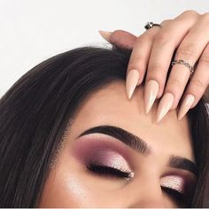 Eye Makeup Tips.Smokey Eye Makeup Tips - For a Catchy and Impressive Look Kiss Makeup, Prom Makeup, Love Makeup, Makeup Inspo, Hair Makeup, Makeup Style, Pink Eye Makeup, Make Up Looks, Makeup Goals