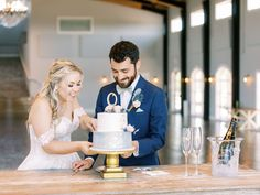 @meganbervenmakeup posted to Instagram: This photo features two of my favorite things, cake and champagne. 🤣 I am a total sweets girl and then love a dry champagne. Am I crazy? Are you a sweets or salty person? 📸 @lauraeddyphotography #sweets #desserts #cakestagram #champagne #bubbles #weddingday #tulsamua # #cakesofinstagram #bride #weddingphotography #weddinginspiration #groom #sweettooth Am I Crazy, Makeup Portfolio, Tulsa Oklahoma, Special Events, Champagne, Favorite Things, Bubbles, Groom, Wedding Day