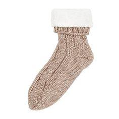 Amelie Chunky Knit Night Socks (2.140 RUB) ❤ liked on Polyvore featuring intimates, hosiery, socks, chunky knit socks and thick knit socks