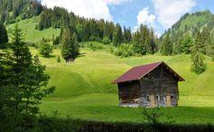 Het Kleinwalsertal in het Oostenrijkse Vorarlberg is een heerlijke zomerbestemming. Hier komt je tot rust en geniet je van de prachtige natuur.