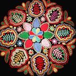 "118 Me gusta, 1 comentarios - Detvianske ludove umenie (@detvianske_ludove_umenie) en Instagram: ""Vyšívané oplecko a brusliak #krivaihla #tambourembroidery #handmade #kroj #oplecko #podpolanie…"""