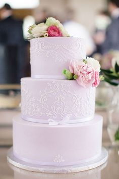 Romantic Pastel Lilac Wedding Cake