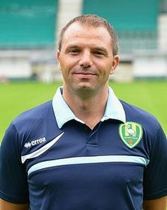 Maurice Steijn is de trainer van ADO
