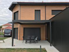 Une Pergola Bio Climatique parfaitement intégrée à son environnement qui rendra cet espace plus confortable et utilisable la majeure partie de l'année