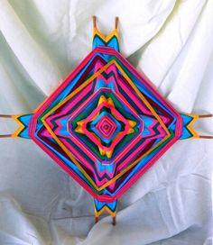 Tejido huichol, ojo de dios, geometria sagrada, mandala.
