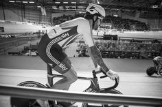 Revolutionseries in Derby courtesy of @modcyclingphoto.