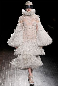 Alexander McQueen - Fall 2012 Ready-to-Wear