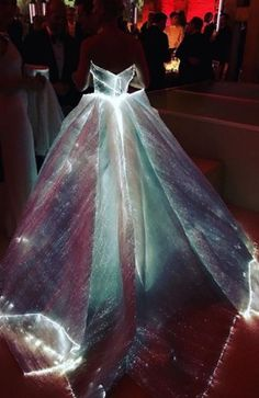 20 photos To Show Luminous Fashion Amazing Stunning - Lupsona
