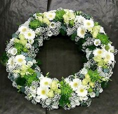 Rouwkrans – – Source by Funeral Flower Arrangements, Funeral Flowers, Deco Floral, Arte Floral, Funeral Tributes, Bouquet, Sympathy Flowers, Wedding Wreaths, Mother Nature