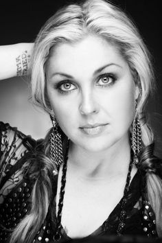 Interview with country singer Sunny Sweeney