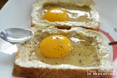 "Combining her love for cheesy eggs with eggs ""over easy,"" try this delicious Cheesy Baked Egg Toast for breakfast. My Recipes, Favorite Recipes, Recipies, Egg Boats, Cheesy Eggs, Baked Eggs, Perfect Breakfast, Tray Bakes, Breakfast Recipes"