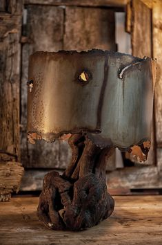 Lampe design métal rouillé et bois