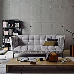Un canapé gris ultra molletonné, B&B Italia Ottoman Furniture, Furniture Design, B&b Italia Sofa, Couch With Ottoman, Home Office Cabinets, Living Room Lounge, Custom Sofa, Banquette, Furniture Upholstery