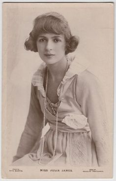 Postcard Beautiful Actress Julia James Pearl Necklace Photo by Rita Martin | eBay